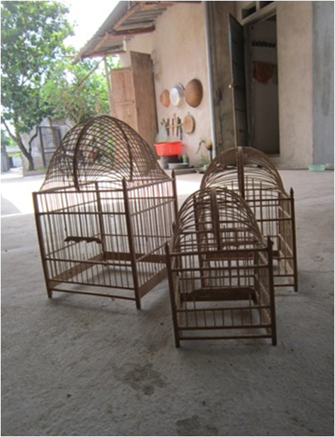 set of 3 bird cages