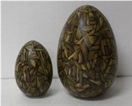 Set of 2 easter eggs with incrusted bamboo