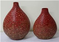 set of 2 vases with incrusted seashell