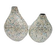 set of 2 lacquer vases